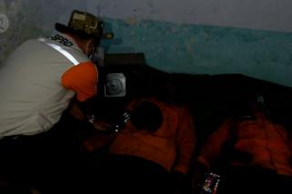Tim Penanganan Karhutla BPBD Jember selamat dari kebakaran
