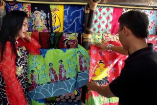 Kreasikan batik dengan motif ornamen Jepang