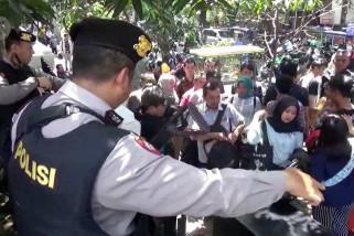 Polisi batasi akses angkutan daring menuju Mapolrestabes Bandung