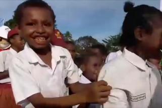 Menjadi relawan pengajar di distrik terpencil di Sorong Papua Barat