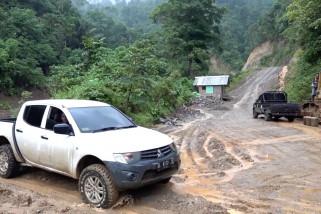 Pemerintah Aceh buka jalur alternatif atasi longsor