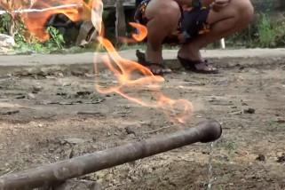 Warga Barito Kuala dikejutkan air sumur yang bisa terbakar
