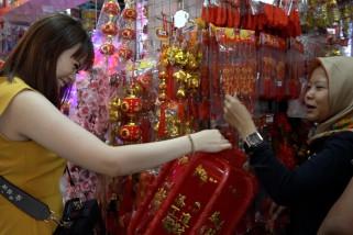 Lampion jadi pernak pernik yang banyak dipilih warga Tionghoa Medan