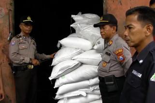 Polisi tangkap kelompok pembobol gudang PG Jatiroto