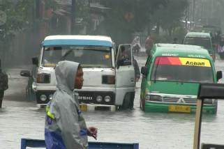 BPBD Jabar: curah hujan intensitas tinggi dan sedimentasi penyebab banjir