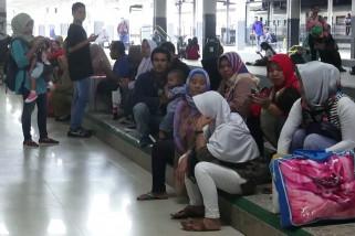 Banjir Jakarta, jadwal perjalanan kereta api terjadi perlambatan