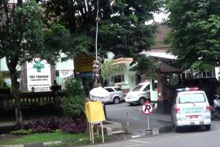 Dua pasien dirawat di ruang isolasi RS Tabanan Bali