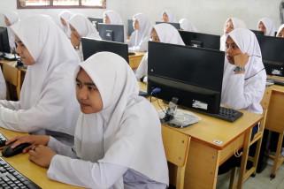 Meski libur, ujian akhir madrasah tetap jalan