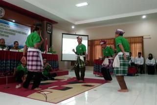 Masyarakat adat dilatih pelestarian adat budaya dan kelola potensi wisata