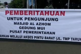 Akses jalan ke kawasan Puspemkot Tangerang ditutup