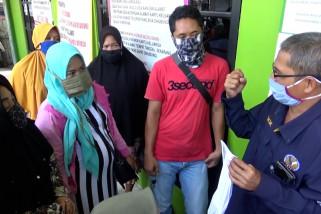 Belum terima Bansos, warga datangi kantor Dinsos Banjarmasin