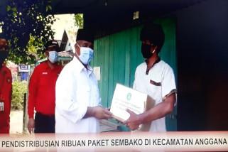 Penyaluran Bantuan Sembako di Kecamatan Anggana