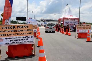 Ratusan kendaran putar balik di 5 titik perbatasan Riau