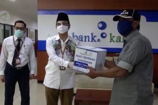 Ribuan sembako dibagikan kepada para pensiunan