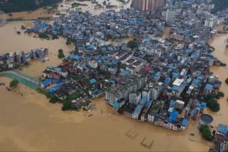 Diguyur hujan ekstrem, China bersiap hadapi banjir lebih luas