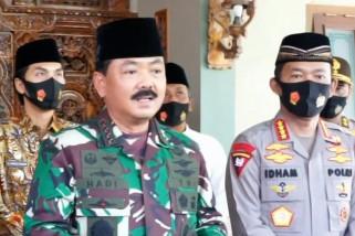 Panglima TNI ajak santri di Madiun patuhi protokol kesehatan
