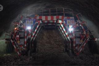 Mesin bor raksasa siap lubangi terowongan terpanjang di Xinjiang