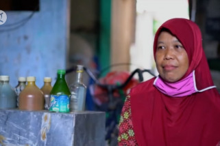 Cerita Narsih tukang jamu keliling penerima bantuan pemerintah