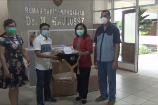 BPJS Ketenagakerjaan Maluku serahkan puluhan bantuan APD Ke Rumah Sakit