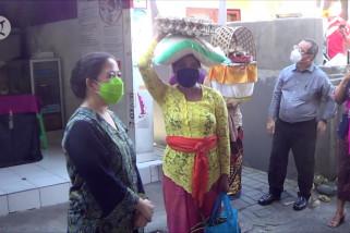 Ketua DPR, Mensos, dan Men-PPPA pantau penyaluran bansos di Bali