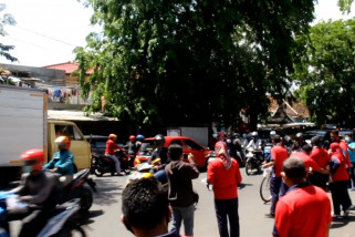 Lapas Kesambi Cirebon bagikan masker dan vitamin