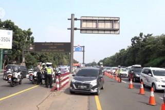 Operasional mobil barang dibatasi mulai 27 Oktober