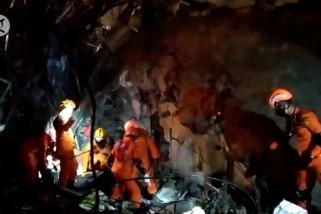 BNPB terjunkan K9 dan alat berat evakuasi korban gempa