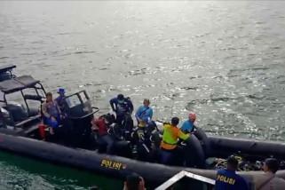 Tim gabungan Polricari korban dan puing pesawat Sriwijaya Air