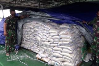Gubernur Kalsel terima bantuan kemanusiaan TNI AD untuk korban banjir