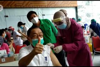 Menkes targetkan vaksinasi COVID-19 tahap II tuntas Juni