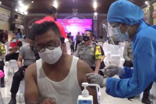 Kapolda Bali prioritaskan vaksinasi ke anggota Bhabinkamtibmas
