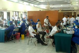 Ratusan pekerja kebun PTPN 12 Jember ikuti vaksinasi COVID-19