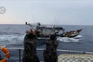 PSDKP-KKP Tangkap dua kapal Vietnam pemburu teripang