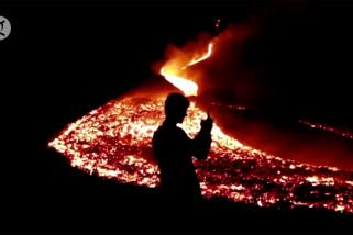 Tumpahan lahar spektakuler dari gunung berapi Pacaya Guatemala