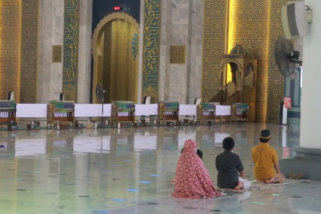 Khofifah ingin pembatasan jamaah shalat Id mengacu ke Masjid Al Akbar