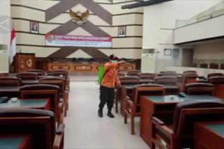 Anggota DPRD Jember positif COVID-19, puluhan orang dites antigen