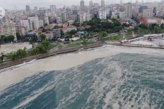Ingus laut kembali menutupi Laut Marmara Turki akibat angin selatan