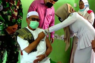 Percepat penanganan COVID-19, Pemkot Lhokseumawe vaksinasi massal pondok pesantren