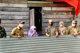 Pemkab Bangka salurkan asbes bagi korban puting beliung