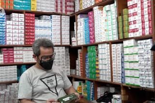 Pedagang Pasar Pramuka duga distribusi obat terapi COVID-19 kurang terjaga