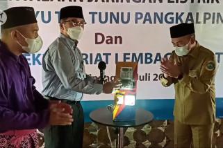 Sembilan tahun menunggu, jaringan listrik di Tuatunu kini tersambung