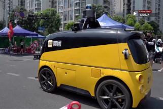 Kendaraan nirawak suplai pangan untuk warga yang jalani karantina