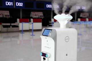 Dua robot pendisinfeksi beroperasi di bandara Hefei, China