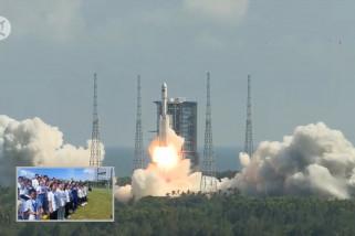 Anak-anak saksikan langsung peluncuran wahana antariksa Tianzhou-3