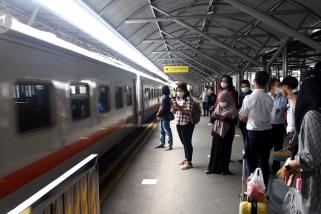 52 KA lokal di Daop 8 Surabaya kembali beroperasi
