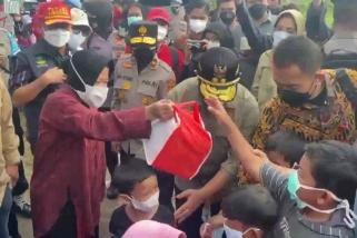 Mensos salurkan bansos korban banjir Kalteng