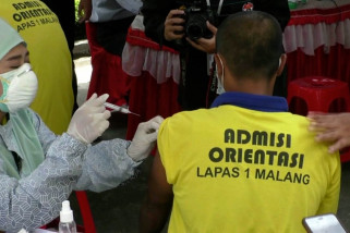 Vaksinasi TNI-Polri sasar penghuni lapas Lowokwaru