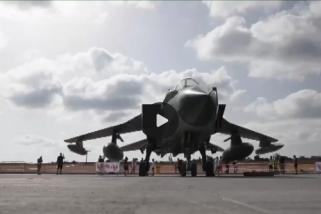 Puluhan pesawat atraksi aerobatik di langit Malta