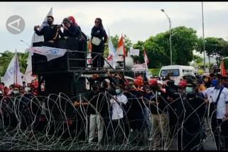 Pemprov Jatim perjuangkan kenaikan UMP 2022