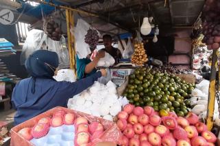 Penjualan buah meningkat jelang peringatan Maulid Nabi
